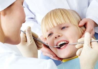10 consigli per aiutare i vostri figli a superare la paura del dentista